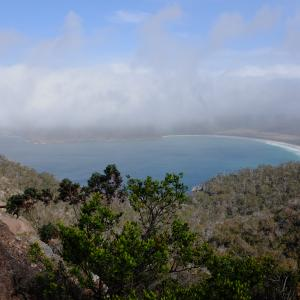Blick in die Wineglas Bay